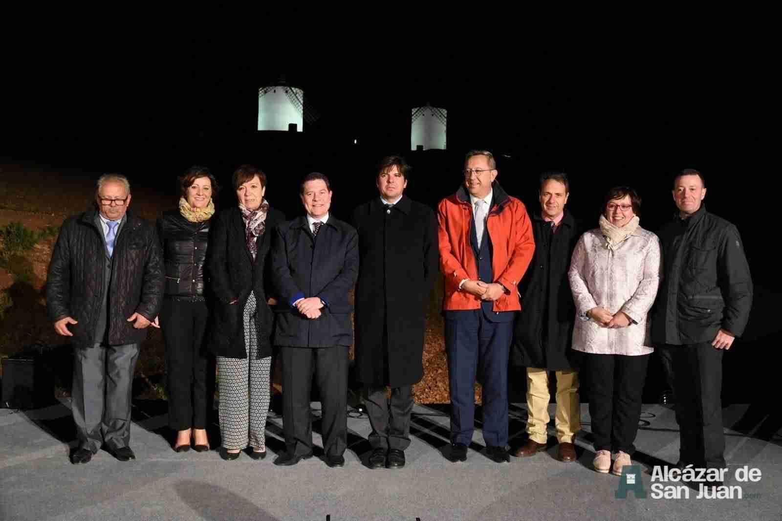 iluminacion artistica moninos viento alcazar san juan 1 - Todos los molinos de viento de Castilla-La Mancha con iluminación artística como reclamo artístico