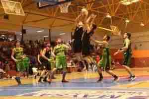 partido grupo 76 al kasar 300x200 - El Grupo 76 Al-Kasar Junior masculino se proclama campeón de Castilla La Mancha