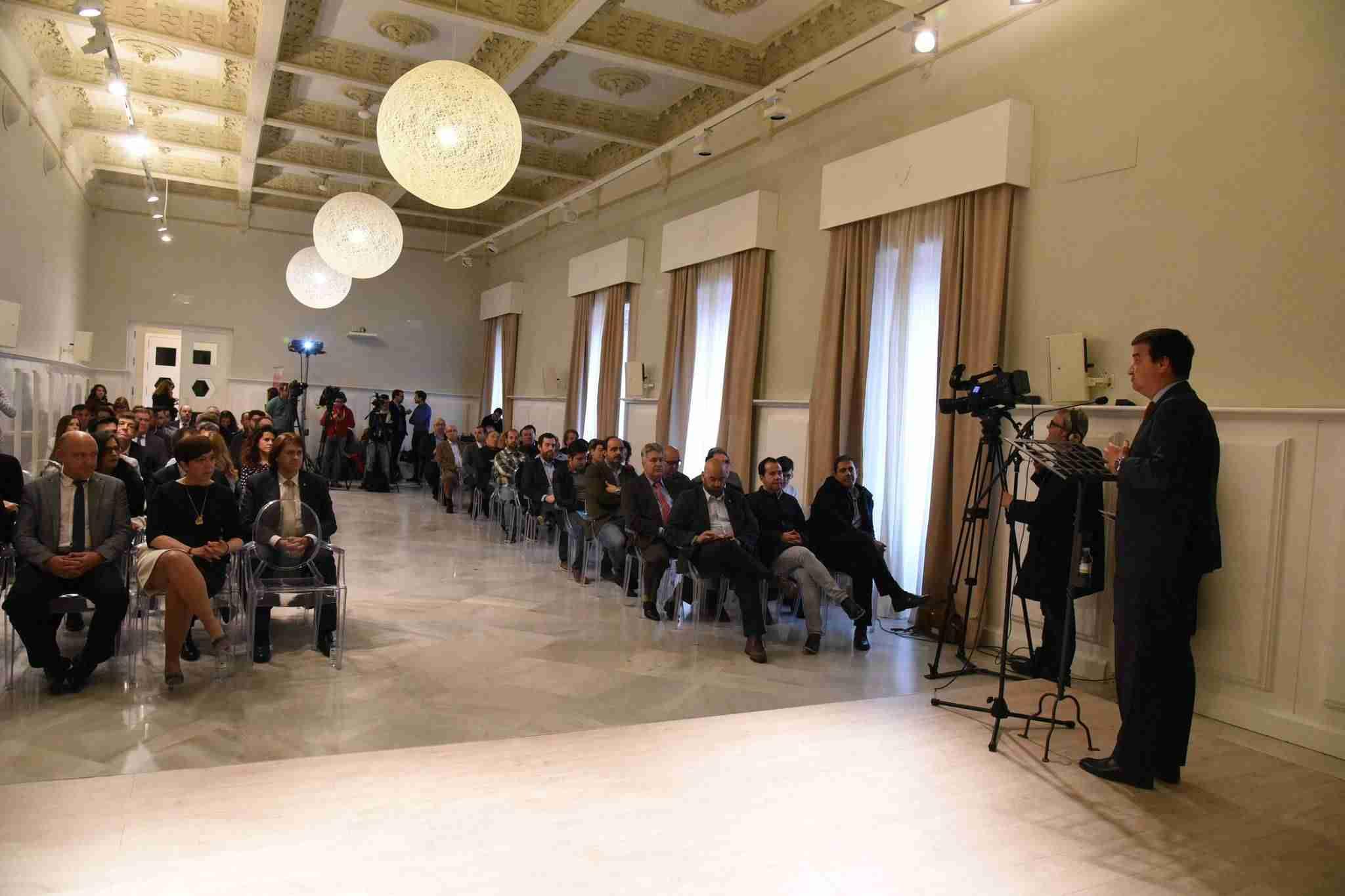 premios vinos feria los sabores 1 alcazar - El consejero de Agricultura inauguró la XI Feria de los Sabores de Alcázar de San Juan