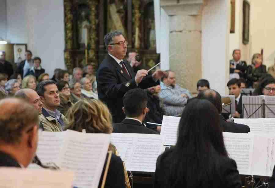 banda musica alcazar en mayos 2017 foto 2 - La Asociación Banda de Música de Alcázar de San Juan pregonó Los Mayos 2017