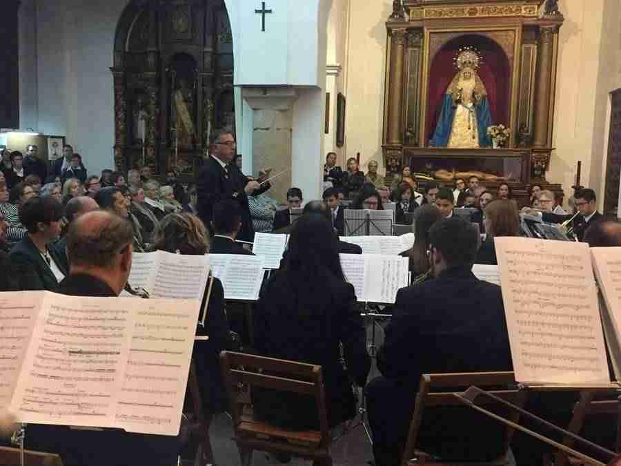banda musica alcazar en mayos 2017 foto 3 - La Asociación Banda de Música de Alcázar de San Juan pregonó Los Mayos 2017