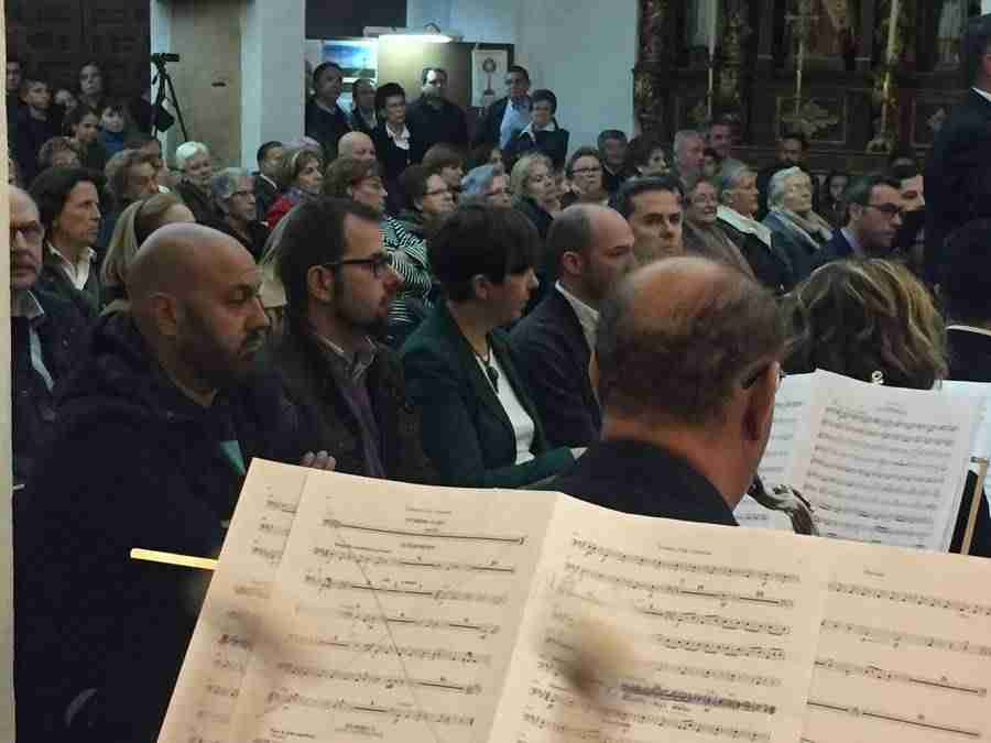 banda musica alcazar en mayos 2017 foto 4 - La Asociación Banda de Música de Alcázar de San Juan pregonó Los Mayos 2017