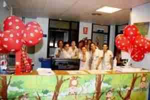 lanzamiento de besos 4 300x200 - El Hospital Mancha Centro se suma a la campaña de 'lanzamiento de besos'