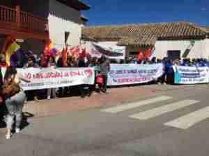 manifestacion 1 mayo alcazar 1 300x225 - Izquierda Unida Alcázar: Ofrenda floral y manifestación en el 1 de Mayo