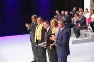 medallas oro clm 16 300x200 - Aurora Egido y Raúl del Pozo ensalzan el patrimonio de la Lengua Española y el papel de Castilla-La Mancha en la Literatura Universal