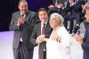 medallas oro clm 6 300x200 - Aurora Egido y Raúl del Pozo ensalzan el patrimonio de la Lengua Española y el papel de Castilla-La Mancha en la Literatura Universal