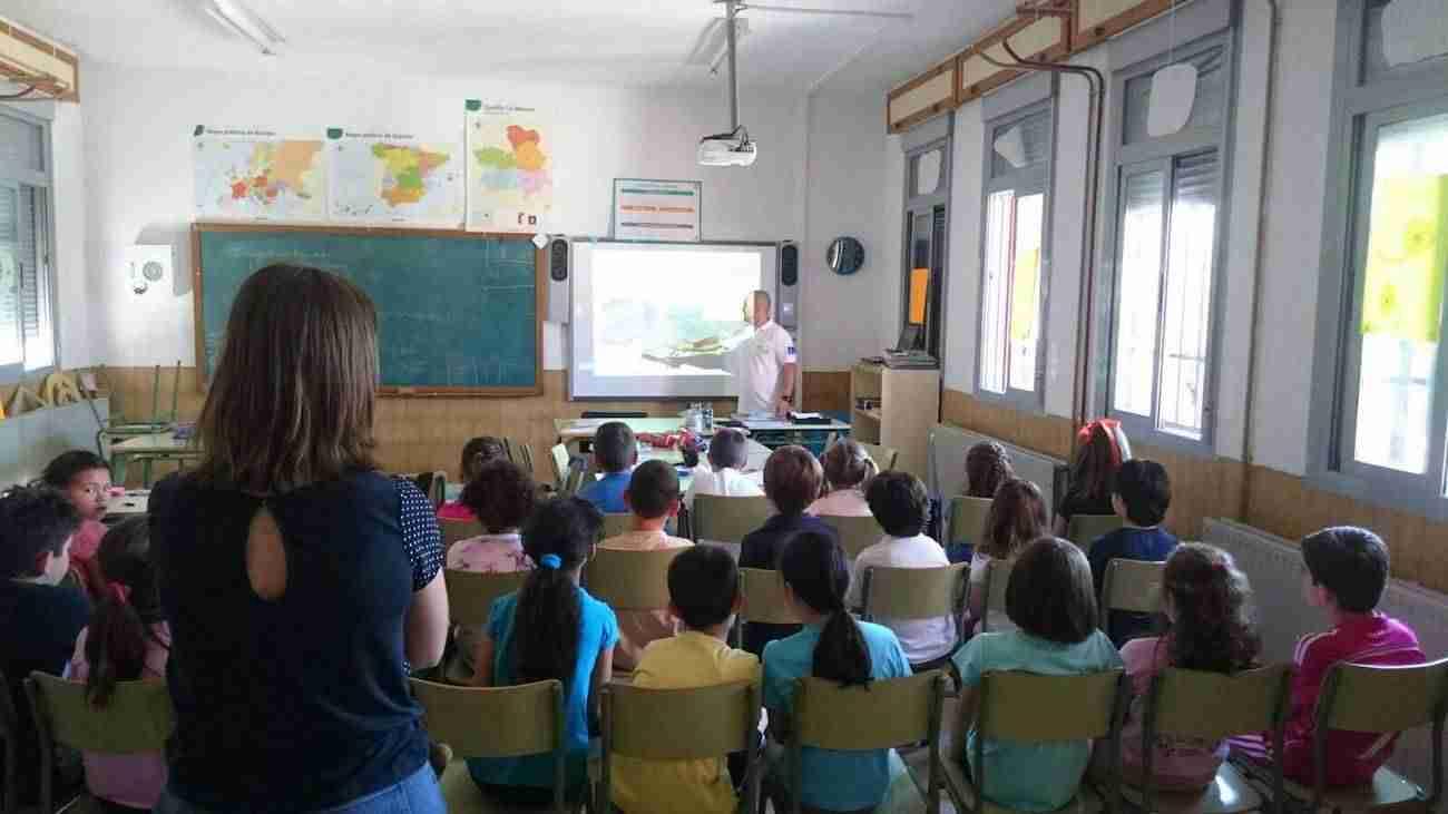 plan infocam prevencion incendios 2a - Trabajadores del Plan INFOCAM forman a los escolares de la región en la prevención de incendios