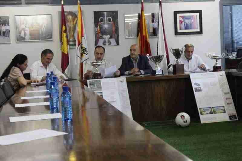 sorteo fase ascenso a juvenil nacional - Sporting de Alcázar se medirá al Hellín en la fase de ascenso a la Liga Nacional