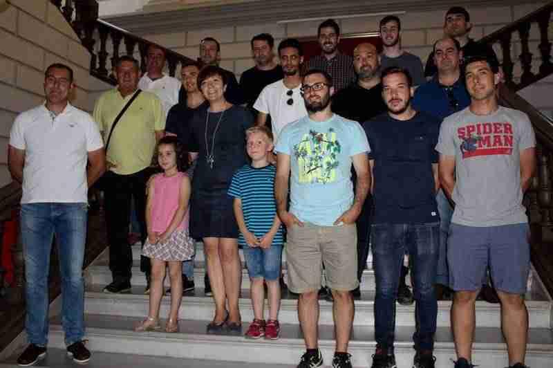 sporting de alcazar 1 - El Ayuntamiento reconoce el esfuerzo del Sporting de Alcázar y su ascenso a Primera Autonómica
