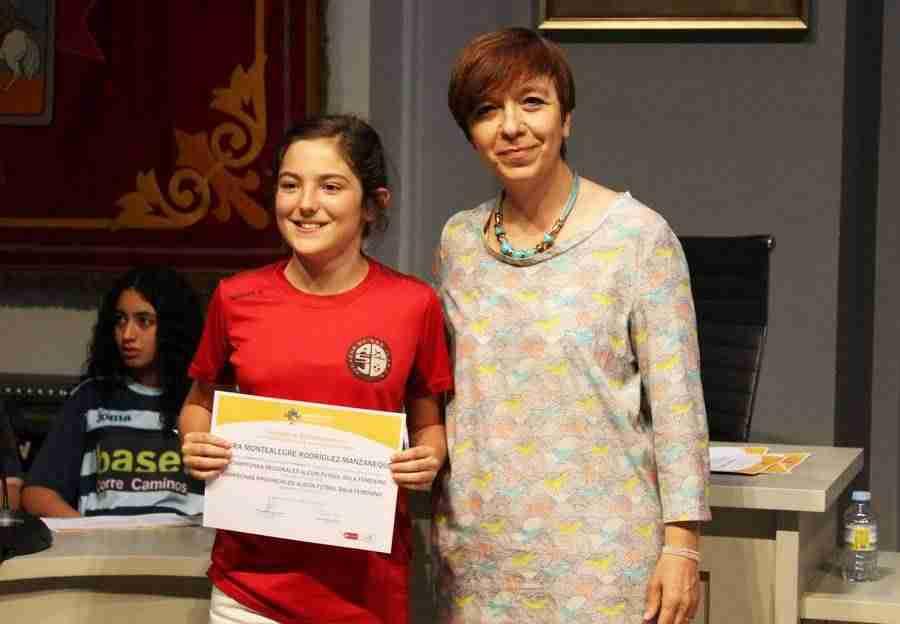 Recepción en el Ayuntamiento de las campeonas del Alcázar Fútbol Sala 1