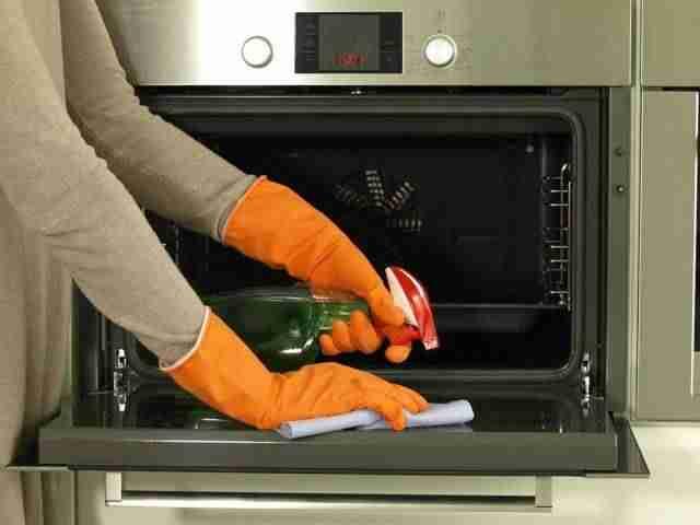 Limpieza del horno con vinagre