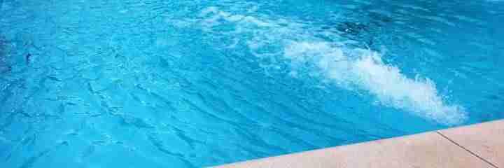 El pr ximo s bado 17 se abre la piscina de verano ya se for Piscinas que se esconden