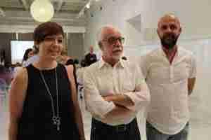antonio moreno con alcaldesa 300x200 - Antonio Moreno ofreció en el Ayuntamiento una conferencia sobre la historia de la Física