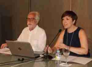 Antonio Moreno ofreció en el Ayuntamiento una conferencia sobre la historia de la Física