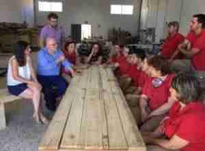 El Gobierno regional reconoce la apuesta del Ayuntamiento de Elche de la Sierra por el reciclaje de madera como factor de empleabilidad