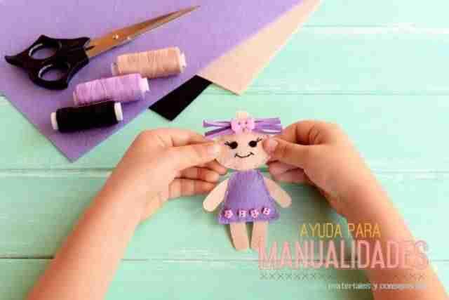 Como hace una muñeca de fieltro