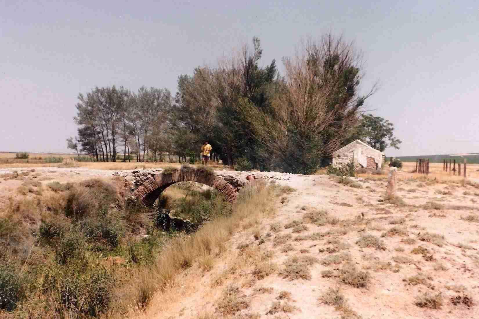 Antigua fotografía del Puente Rondadías. Fuente: web ayuntamiento de Herencia