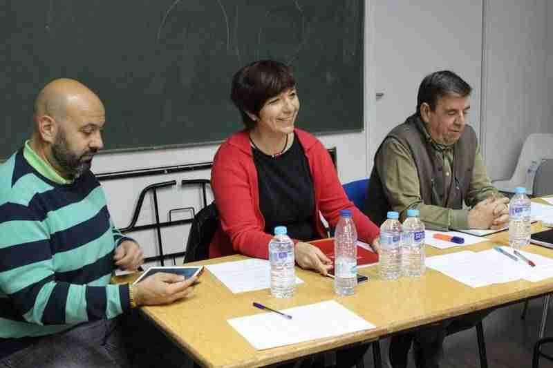 Rosa Melchor participa en la asamblea de la asociación de vecinos del barrio 'El Santo' 2