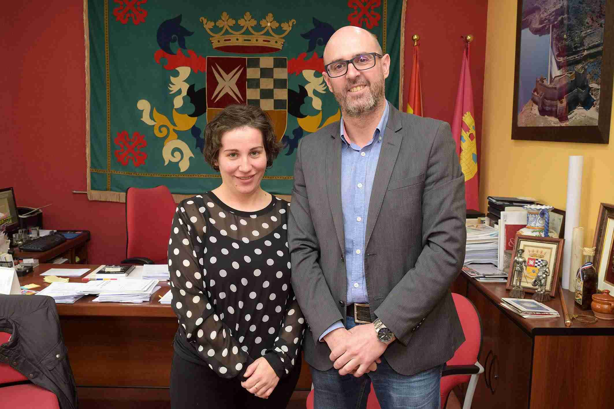 La Agrupación Maestro Martín Díaz y la coral Villa del Alba ratifican convenios con el Ayuntamiento 1