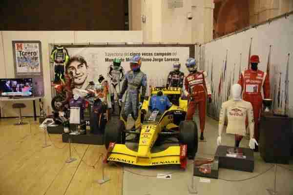 04_museo_deporte  - 1520625191 293 la alcaldesa inaugura la exposicion leyendas del deporte que se podra visitar en el centro cultural san marcos hasta el 22 de abril -