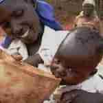 mujerafricana aguaparalased 150x150 - Votaciones abiertas del concurso de fotos: ¡Sí!, mujer tenía que ser