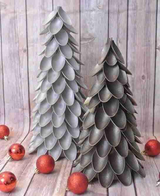 adornos navideños con cucharas