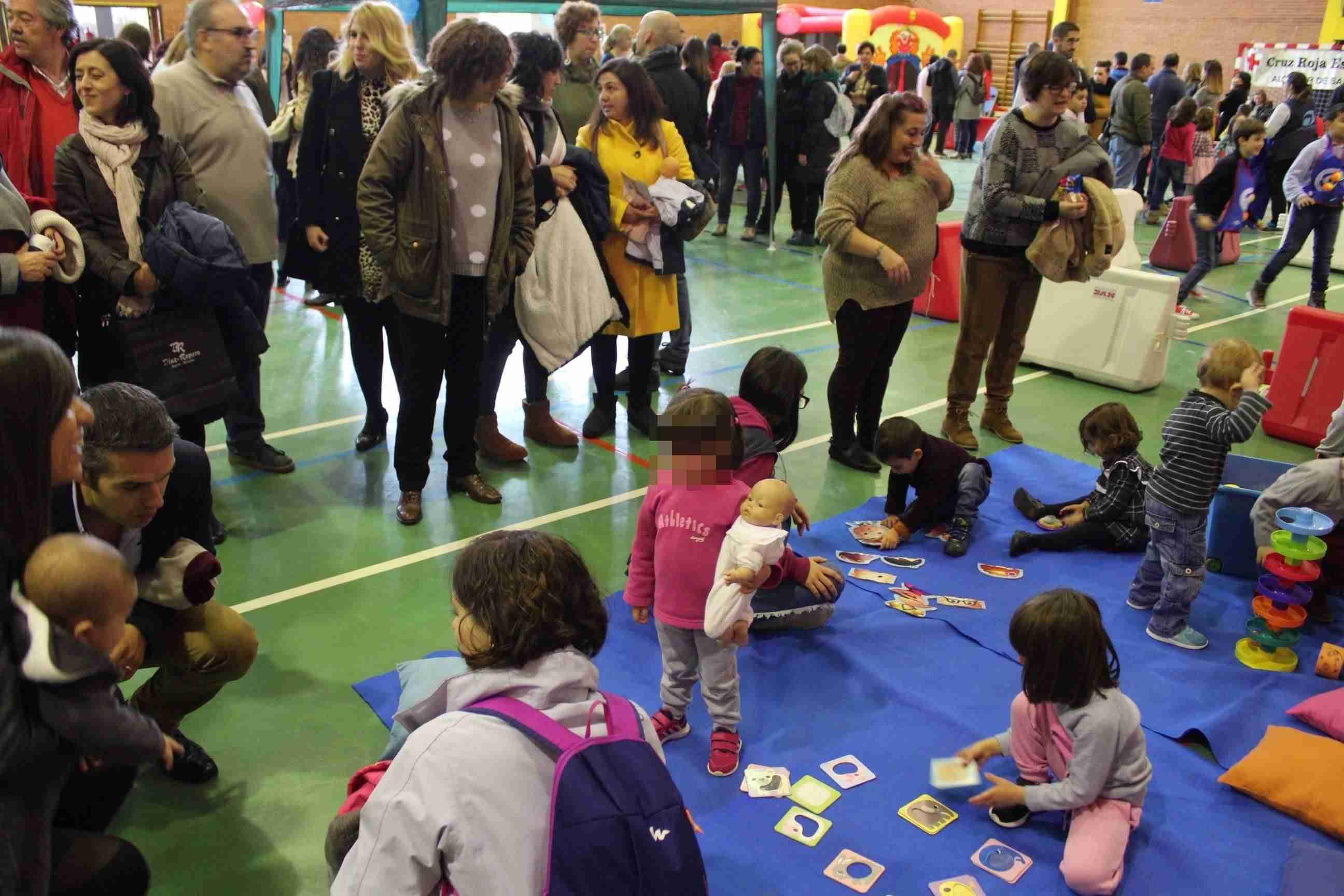 El Pabellón Picasso se convirtió un año más en recinto lúdico para celebrar el Día Universal de la Infancia 1