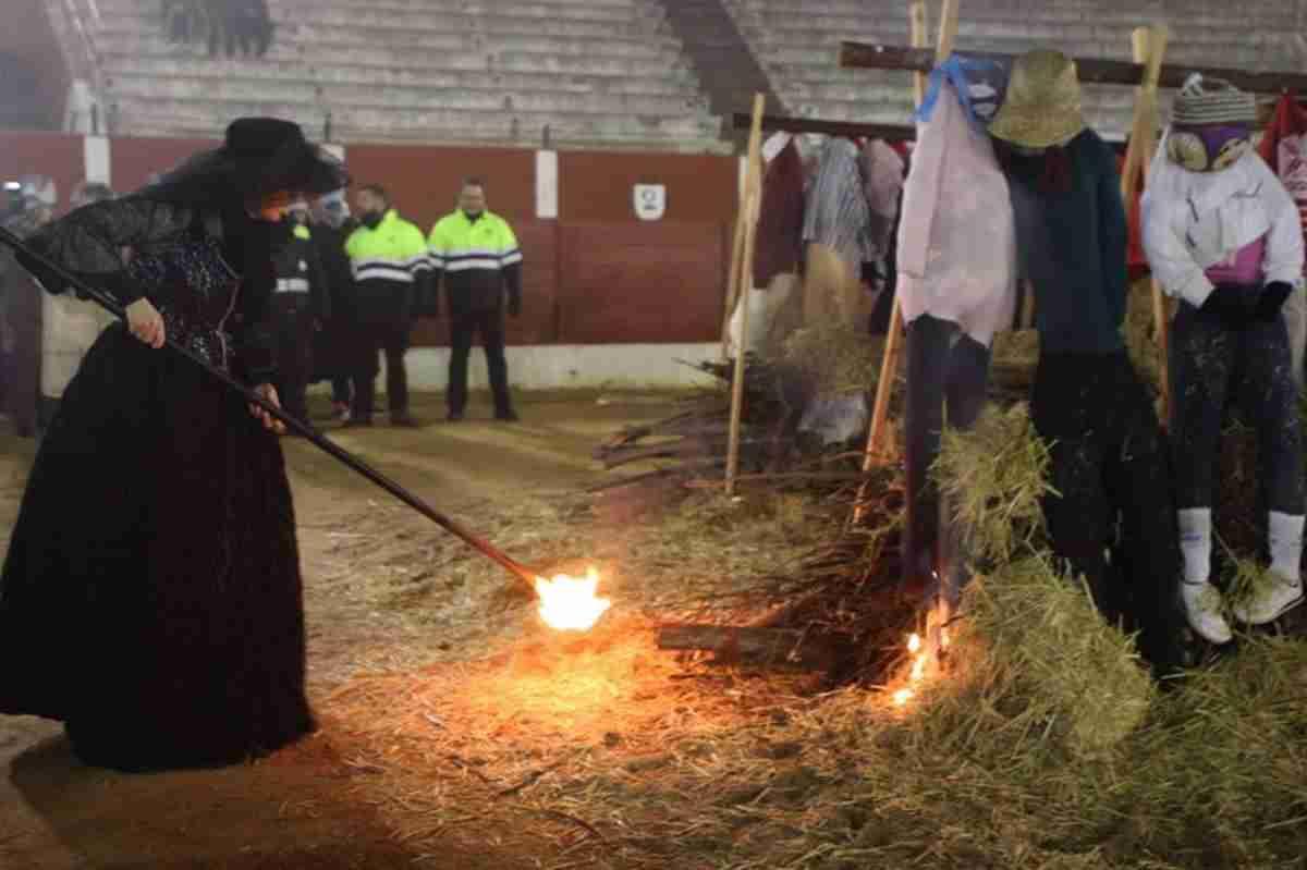 El Entierro de la Sardina pone broche final al Carnavalcázar 2018 33