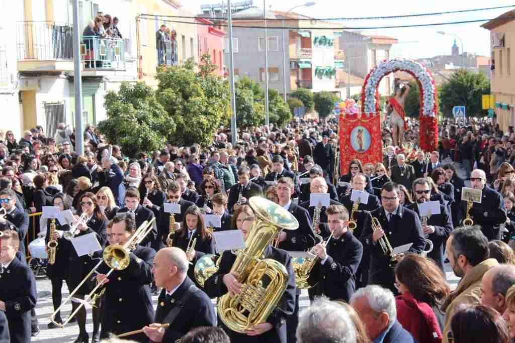 San Sebastián volvió a sacar a la calle a cientos de personas de Alcázar y su comarca 1