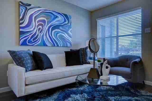 Elegir el mejor sof para decorar un sal n peque o en tu casa - Como elegir sofa ...