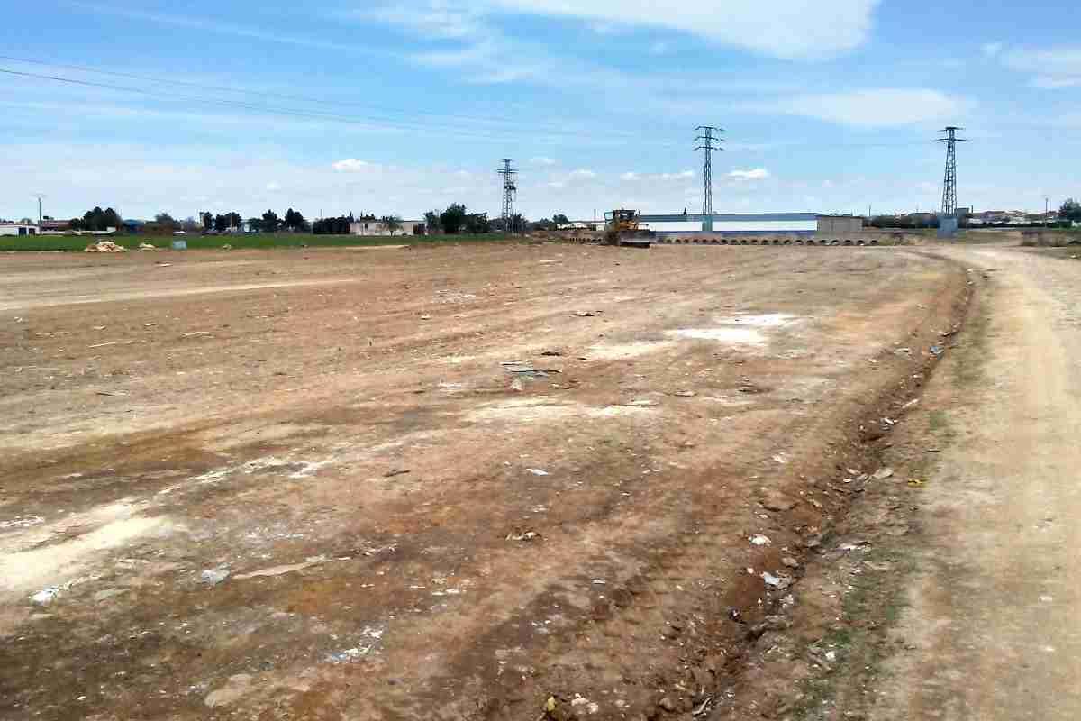 El Ayuntamiento de Argamasilla de Alba pone en marcha una campaña de limpieza de residuos y vigilancia del entorno cercano a Tomelloso 1