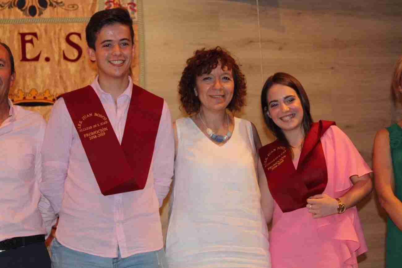 El IES Juan Bosco de Alcázar despide el curso con la imposición de becas a los graduados 9