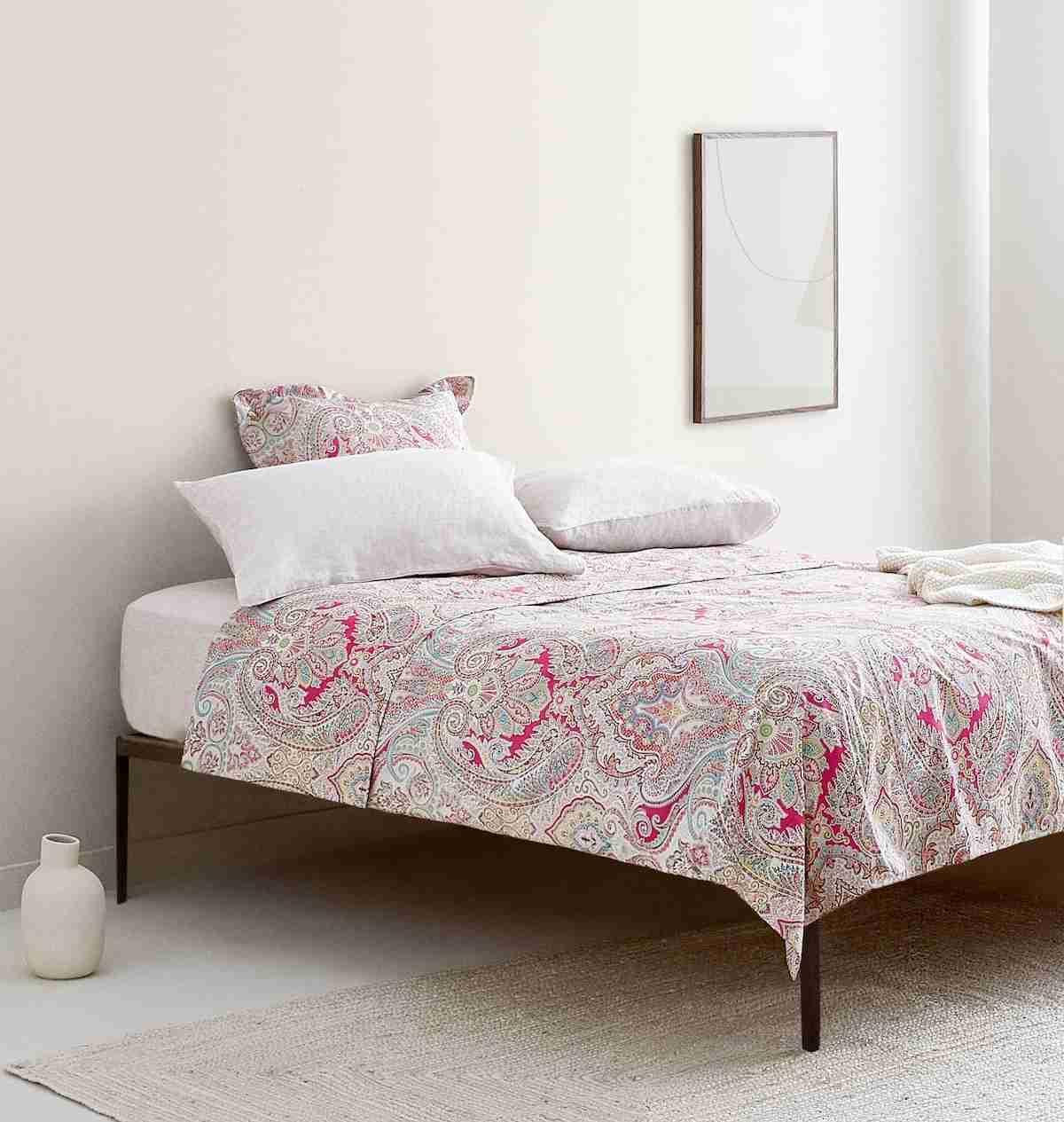 Los estampados Zara Home traen el máximo colorido a tu dormitorio