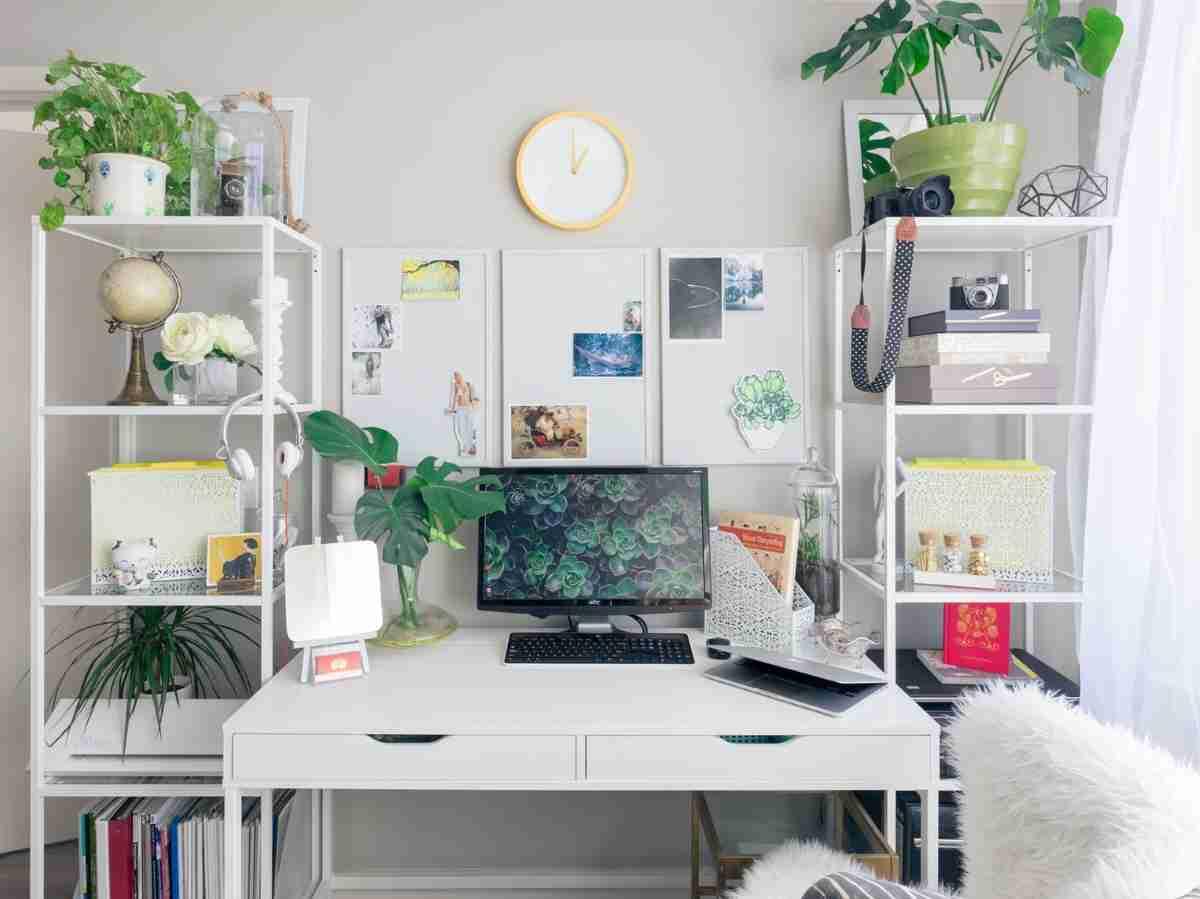 Una zona de trabajo en casa con poco espacio y mucho atractivo 6
