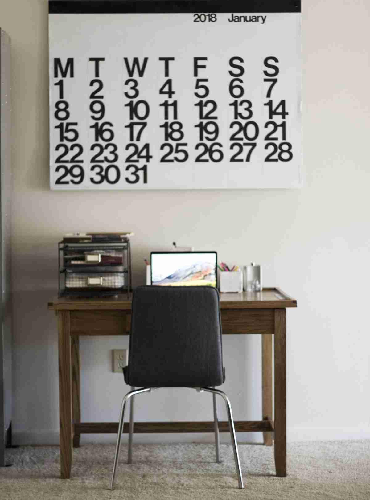 Una zona de trabajo en casa con poco espacio y mucho atractivo 3