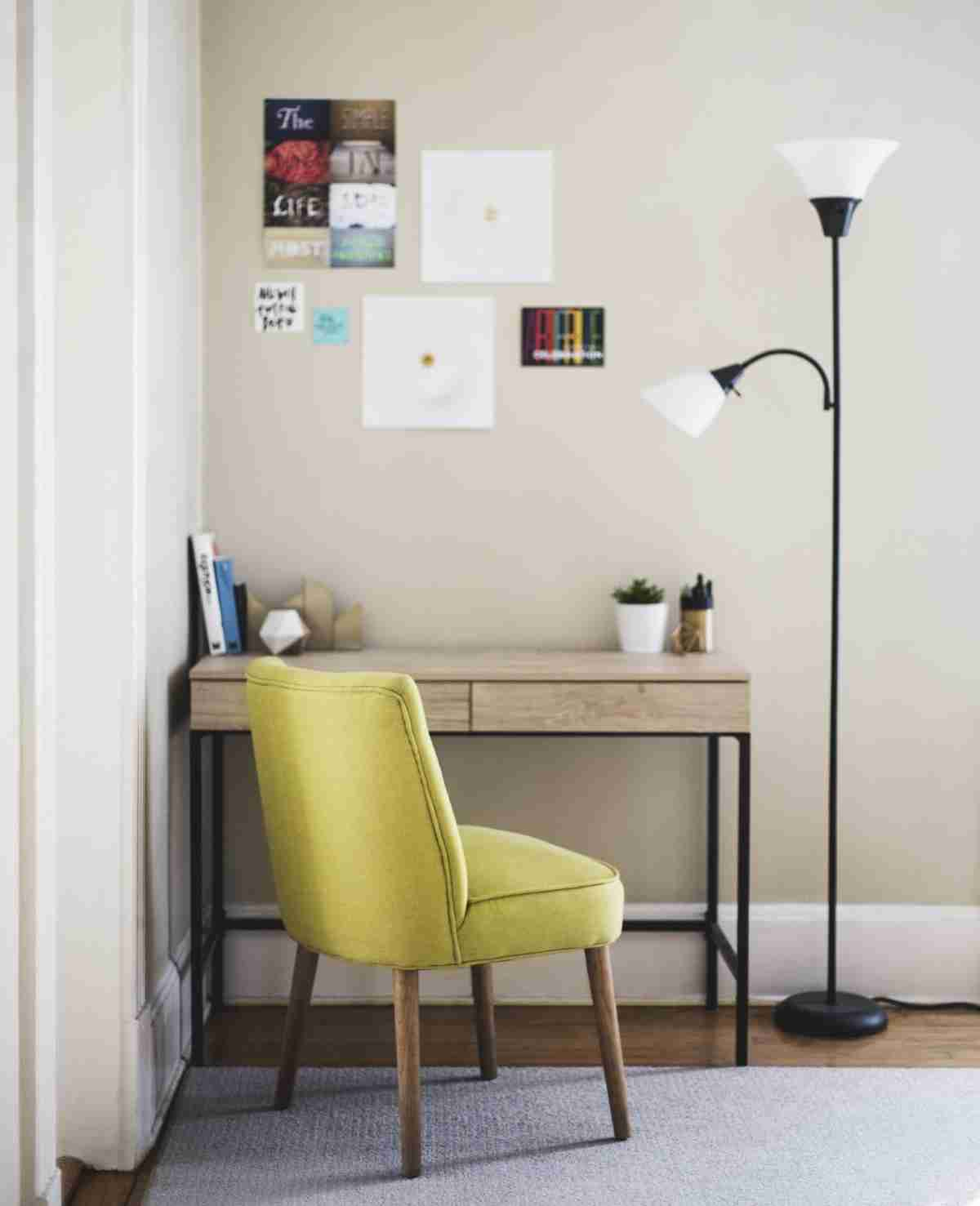 Una zona de trabajo en casa con poco espacio y mucho atractivo 4