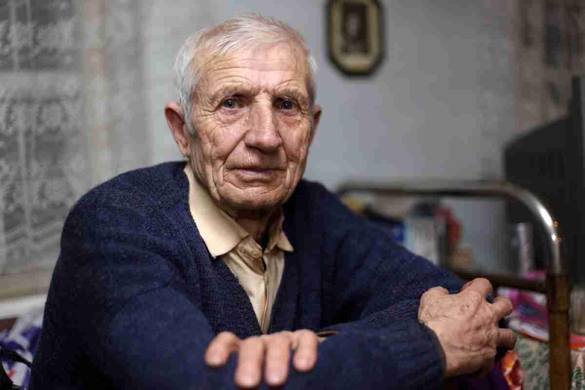 ancianos castellano manchegos en riesgo de pobreza