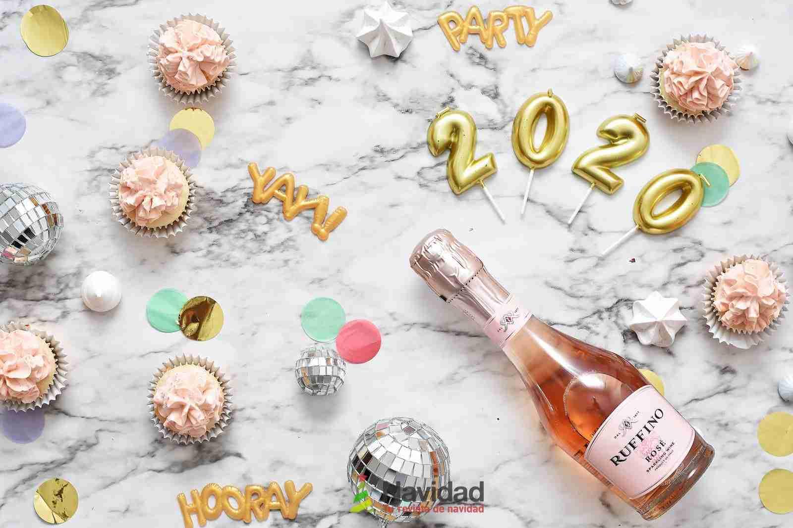 Increíbles felicitaciones originales de Año Nuevo para WhatsApp 2