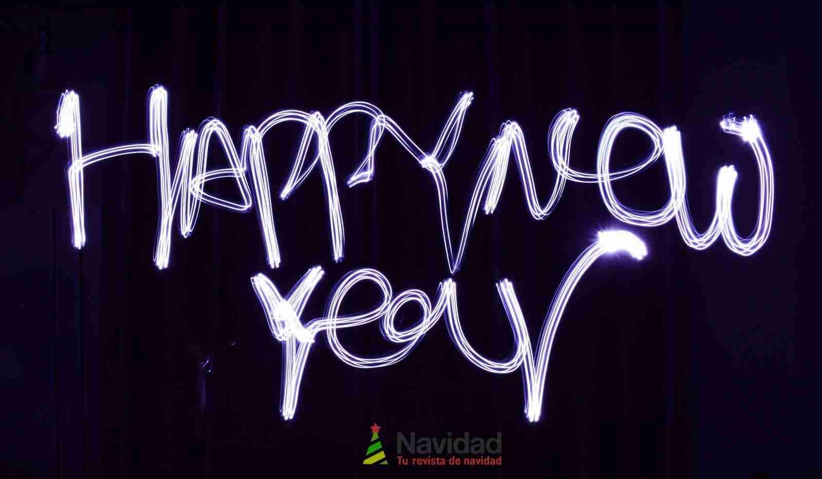 Increíbles felicitaciones originales de Año Nuevo para WhatsApp 5