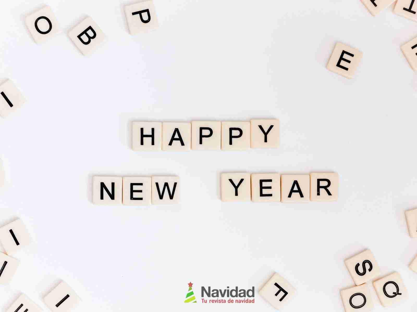 Increíbles felicitaciones originales de Año Nuevo para WhatsApp 8