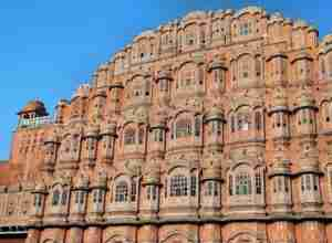 palacio de los vientos de la ciudad fortificada de jaipur india