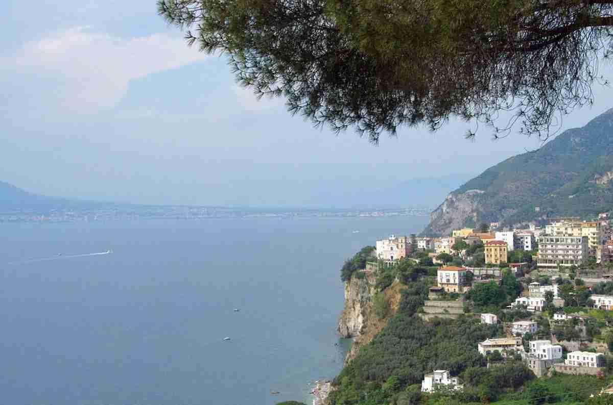 acantilado en sorrento italia