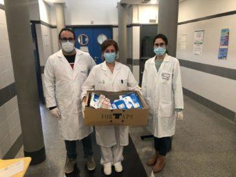 Entrega material al Centro de Salud de Herencia 341x256 - Ánthropos y la generosidad de la comunidad ante el coronavirus