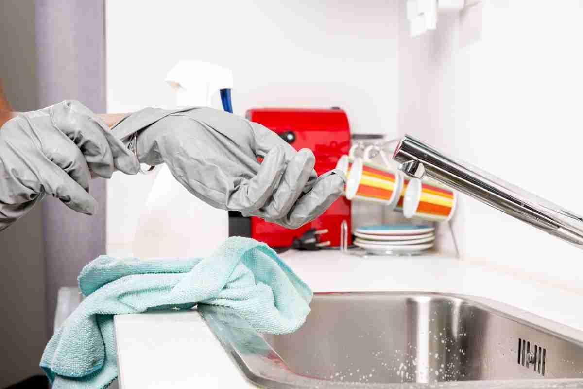 uso de guantes en higiene de sanitarios
