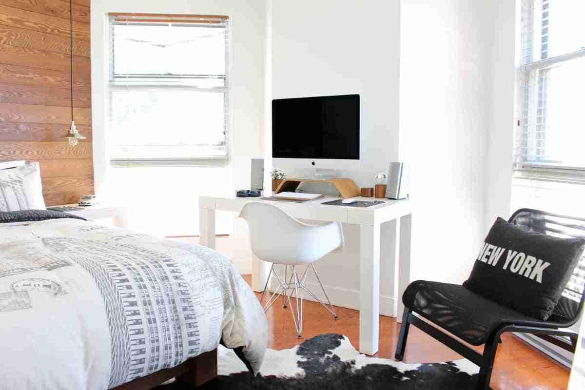 decorar una zona de trabajo en el dormitorio