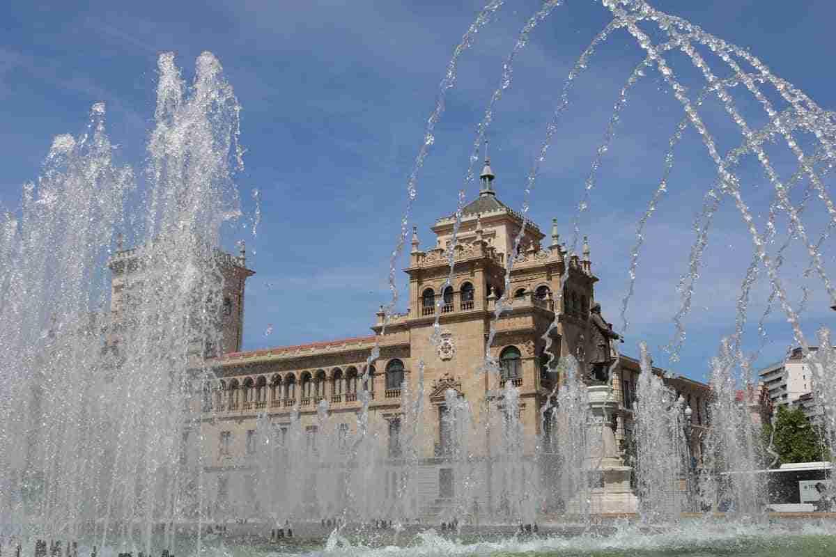 plaza de zorrilla en valladolid