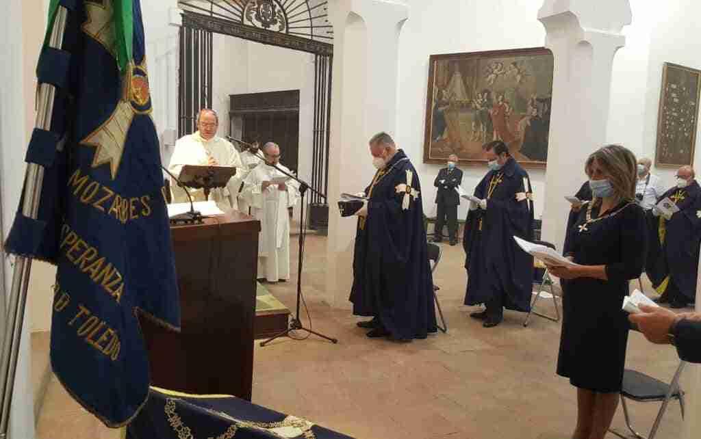 Entrega del Collar de la Hermandad Mozárabe al Arzobispo de Toledo, Mons. Don Francisco Cerro Chaves