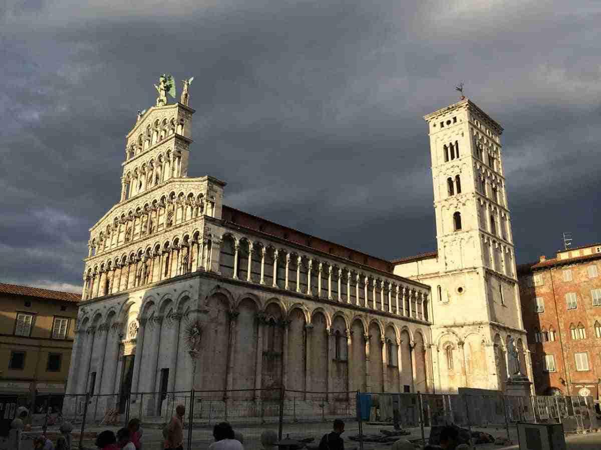 catedral de san martin en luca italia
