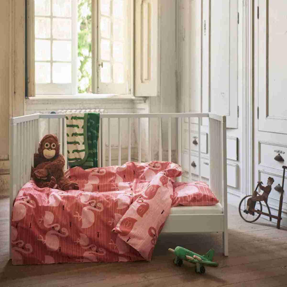 dormitorio de bebe con textiles ikea