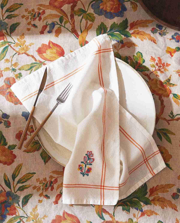 servilletas con bordado floral